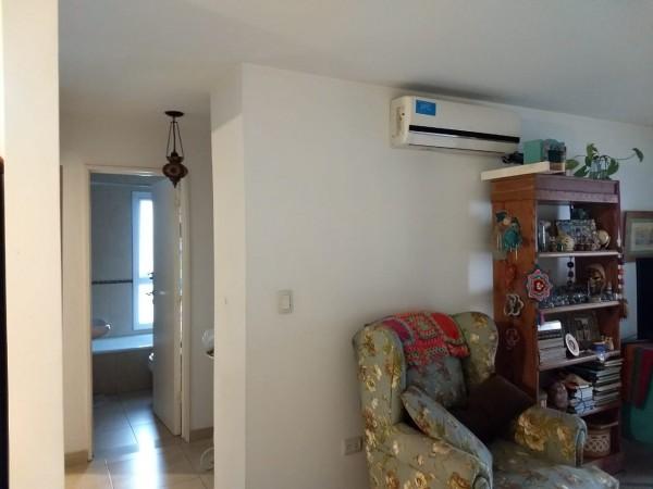 B° Cofico - Excelente Departamento en esquina Externo de 2 Dormitorios Amplio c/ 2 Balcones