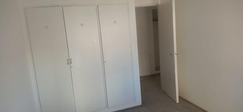 Centro, Amplio Dpto Dos Dormitorios