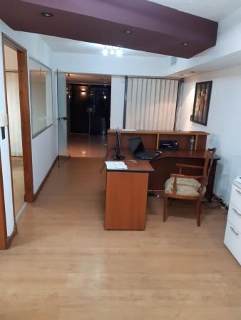 Centro Excelente Oficina en Venta- calle Tucumán al 20