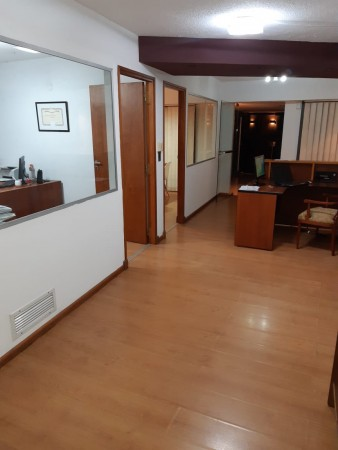 Centro Excelente Oficina en Alquiler- calle Tucumán al 20