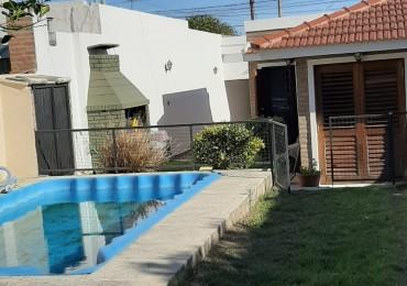 Excelente casa 2 dormitorios a la venta con piscina!